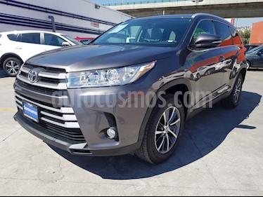 Foto venta Auto usado Toyota Highlander Base Premium (2019) color Gris Metalico precio $639,715