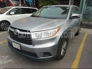 Foto venta Auto usado Toyota Highlander LE (2015) color Plata precio $300,000