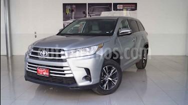 Foto venta Auto usado Toyota Highlander LE (2018) color Plata precio $455,000