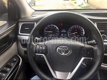 Toyota Highlander LE usado (2015) color Negro precio $289,000