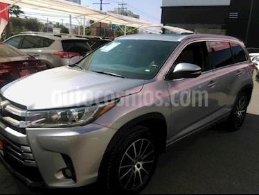 Foto venta Auto usado Toyota Highlander Limited (2017) color Plata precio $530,000