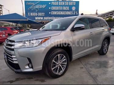 Toyota Highlander XLE usado (2018) color Gris precio $519,900