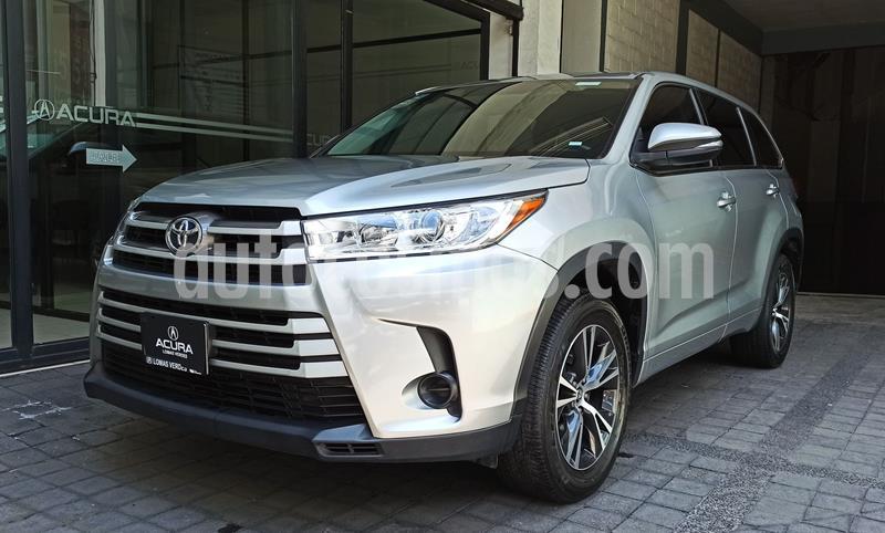 Toyota Highlander LE usado (2017) color Plata Dorado precio $404,000