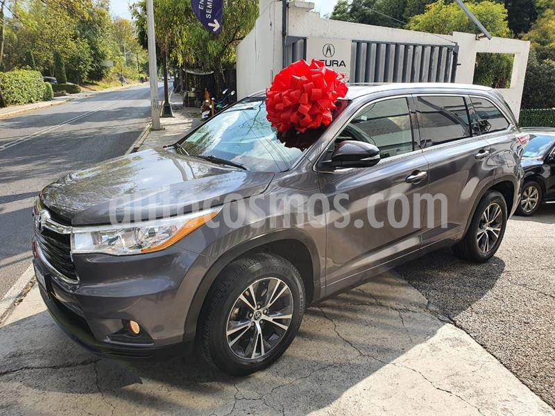 Toyota Highlander XLE usado (2016) color Gris Oscuro precio $375,000