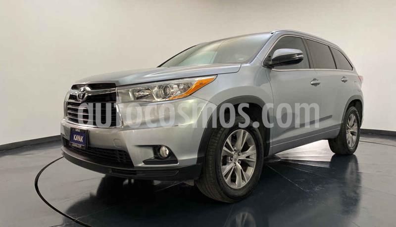 Toyota Highlander XLE usado (2014) color Plata precio $324,999