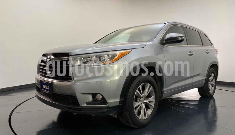 Toyota Highlander XLE usado (2015) color Plata precio $354,999