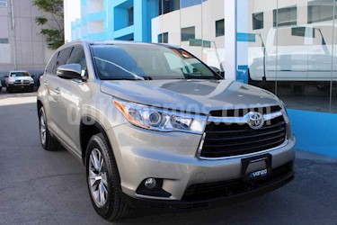 Toyota Highlander XLE usado (2014) color Dorado precio $339,000
