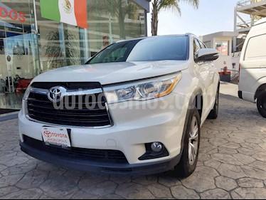 Toyota Highlander 5p XLE V6/3.5 Aut usado (2014) color Blanco precio $315,000