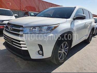 Toyota Highlander XLE usado (2018) color Blanco Perla precio $499,000