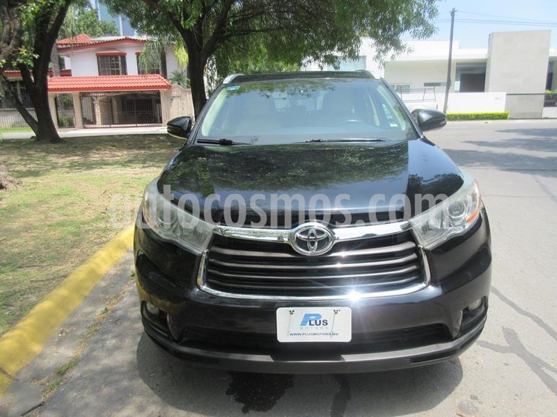 Toyota Highlander XLE usado (2015) color Negro precio $319,000