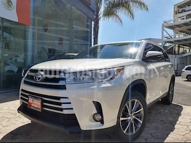 Toyota Highlander 5p XLE V/3.5 Aut usado (2019) color Blanco precio $620,000