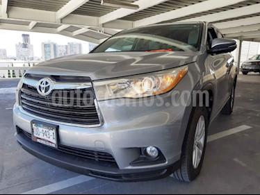 Toyota Highlander LE usado (2015) color Plata precio $305,000