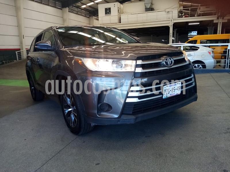 Toyota Highlander LE usado (2017) color Gris precio $379,000