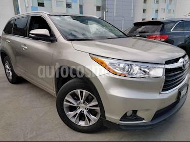 Toyota Highlander 5p XLE V6/3.5 Aut usado (2015) color Dorado precio $320,000