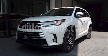 Toyota Highlander 5P LIMITED TA CLIMATRONIC PIEL TP GPS RA-19 usado (2017) color Blanco precio $448,000