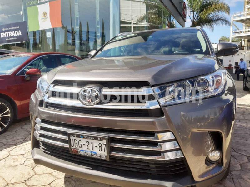 Toyota Highlander Limited usado (2018) color Gris precio $510,000