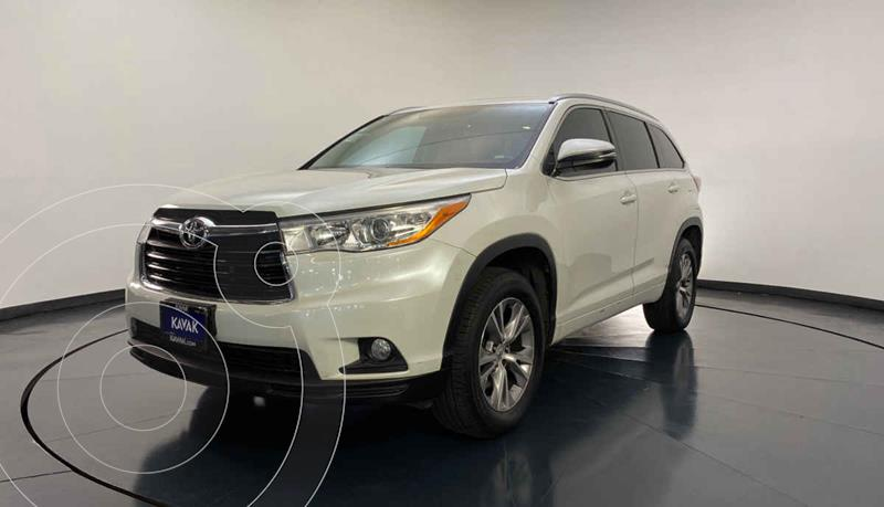 Toyota Highlander XLE usado (2014) color Blanco precio $322,999
