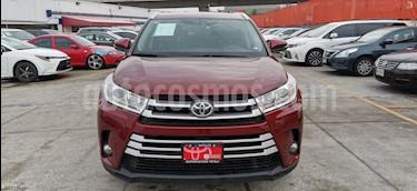 Toyota Highlander XLE usado (2018) color Rojo precio $494,000