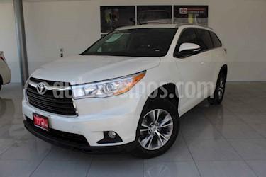 Toyota Highlander 5p XLE V6/3.5 Aut usado (2015) color Blanco precio $330,000