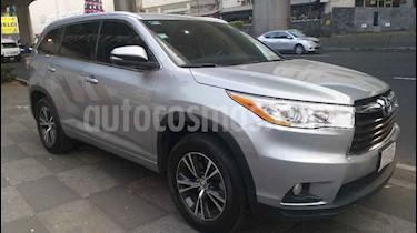 Toyota Highlander XLE usado (2016) color Plata precio $359,000