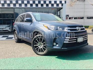 Toyota Highlander LE usado (2017) color Azul precio $465,000