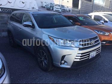 Toyota Highlander 5p XLE V6/3.5 Aut usado (2018) color Plata precio $530,000