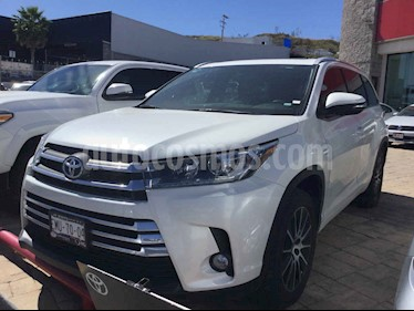 Foto Toyota Highlander Limited Panoramic Roof usado (2017) color Blanco precio $528,000