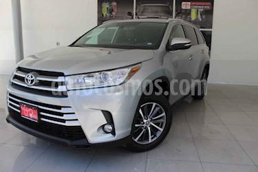 Toyota Highlander 5p XLE V/3.5 Aut usado (2019) color Plata precio $620,000