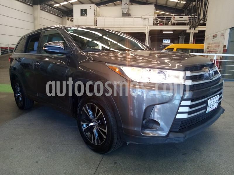 Toyota Highlander LE usado (2017) color Gris precio $348,000