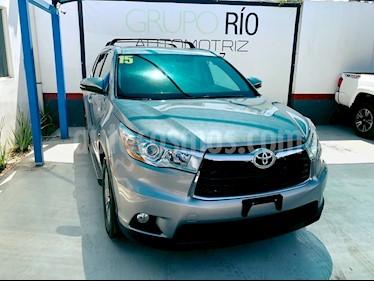 Foto venta Auto usado Toyota Highlander XLE (2015) color Plata precio $370,000