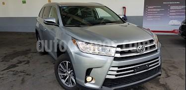 Toyota Highlander XLE usado (2019) color Plata precio $610,000