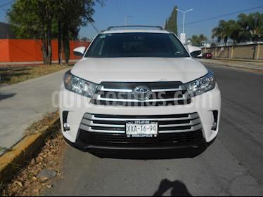Foto venta Auto usado Toyota Highlander XLE (2017) color Blanco precio $490,000