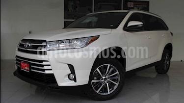 Toyota Highlander XLE usado (2019) color Blanco precio $599,000