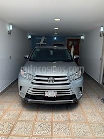 Toyota Highlander XLE usado (2018) color Gris Metalico precio $545,000