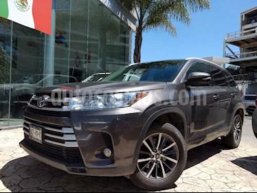 Foto venta Auto usado Toyota Highlander XLE (2017) color Gris precio $520,000
