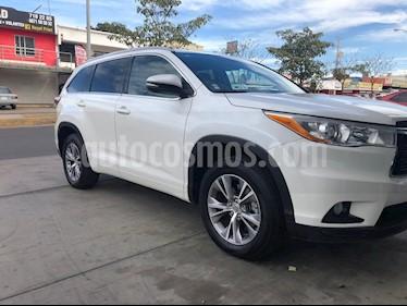 Toyota Highlander XLE usado (2015) color Blanco Perla precio $410,000