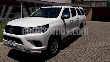 Toyota Hilux 2.4 4x2 DX TDi DC usado (2017) color Blanco precio $1.450.000