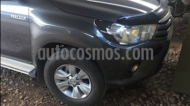 Toyota Hilux 2.4 4x2 SR TDi DC usado (2016) color Gris Oscuro precio $1.050.000