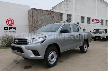 Toyota Hilux 2.4 4x2 TDi DC usado (2018) color Gris Claro precio $1.090.000