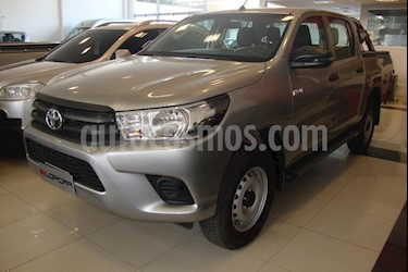 Foto Toyota Hilux 2.4 4x2 TDi DC usado (2019) color Gris Claro precio $500.000