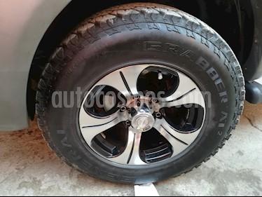 Toyota Hilux 2.5 4X4 Cabina Doble DLX usado (2013) color Rojo precio $10.800.000