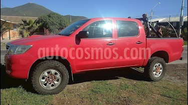 Toyota Hilux 2.5 4X4 Cabina Doble SR usado (2014) color Rojo precio $10.900.000