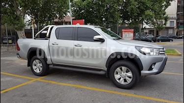 Toyota Hilux 2.8 4x2 SRV Pack TDi DC usado (2016) color Plata Metalico precio u$s35.000