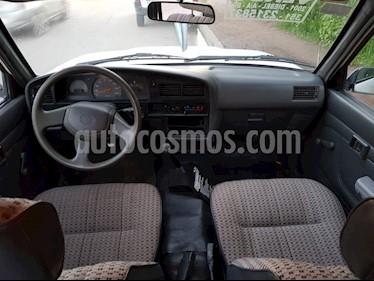 foto Toyota Hilux 2.8 DC usado (2000) color Blanco precio $270.000