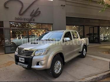 foto Toyota Hilux 3.0 4x2 SR TDi DC usado (2014) color Dorado precio $1.250.000