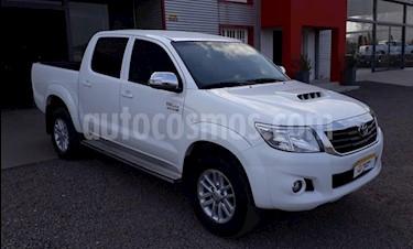 foto Toyota Hilux 3.0 4x2 SR TDi DC usado (2014) color Blanco precio $1.060.000