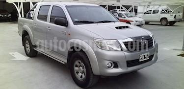 foto Toyota Hilux 3.0 4x2 SR TDi DC usado (2014) color Gris Claro precio $868.000