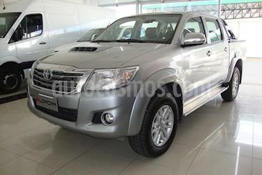 foto Toyota Hilux 3.0 4x2 SRV TDi DC usado (2015) color Gris Claro precio $700.000