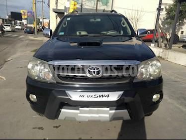 Foto venta Auto usado Toyota Hilux 3.0 4x4 SRV TDi DC Aut (2005) color Negro precio $610.000