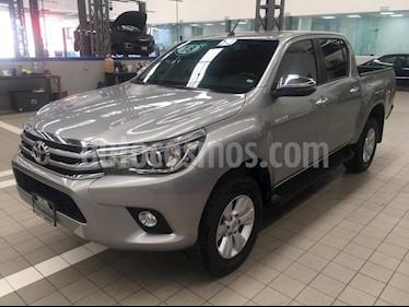 Foto venta Auto usado Toyota Hilux 4p Doble Cabina Diesel L4/2.8/T Aut (2018) color Plata precio $510,000